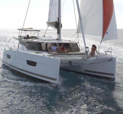 Lucia 40 navigation