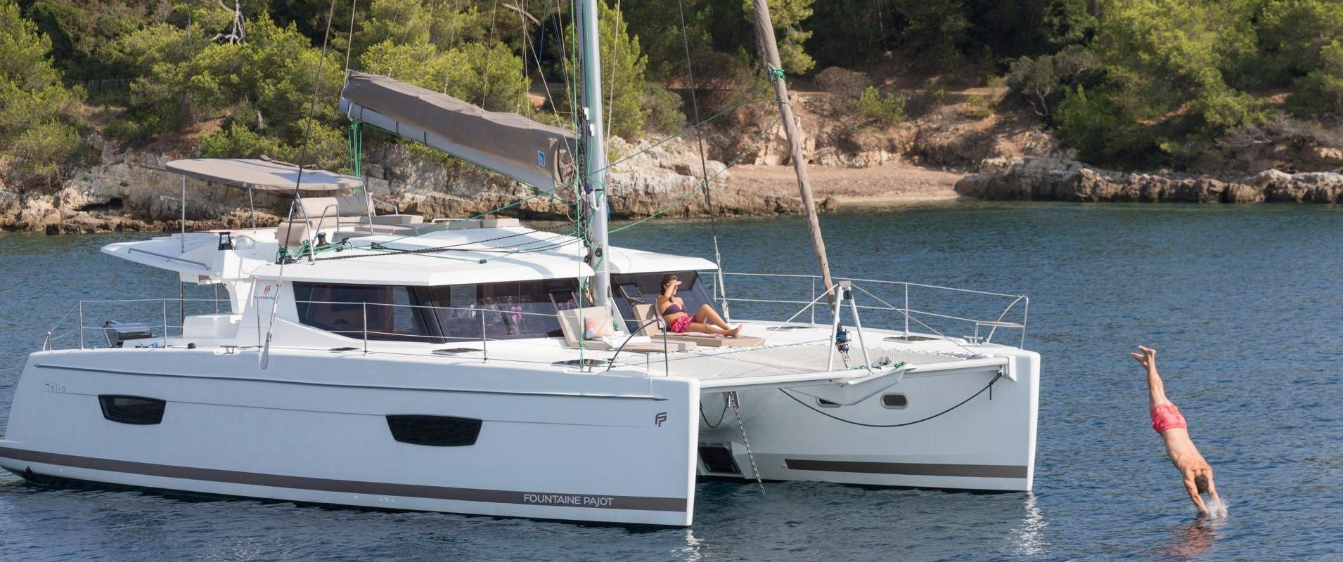 cruising catamarans helia 44 evolution fountaine pajot. Black Bedroom Furniture Sets. Home Design Ideas