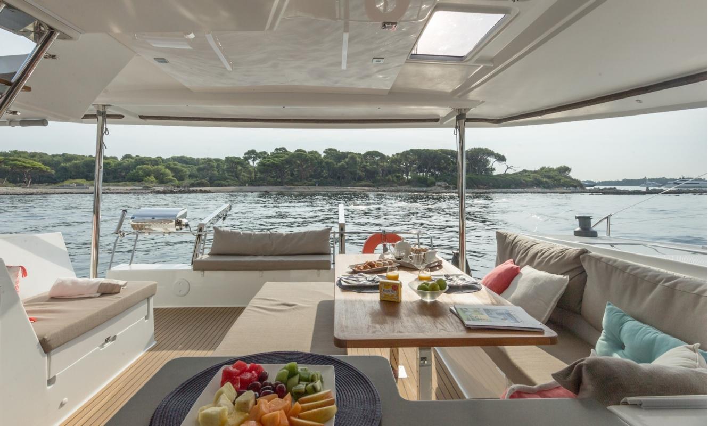 catamarans de luxe helia 44 evolution  fountaine pajot