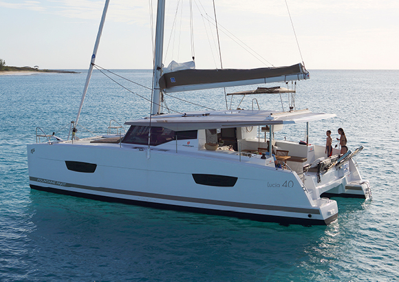 Fountaine Pajot - Catamaran Lucia 40