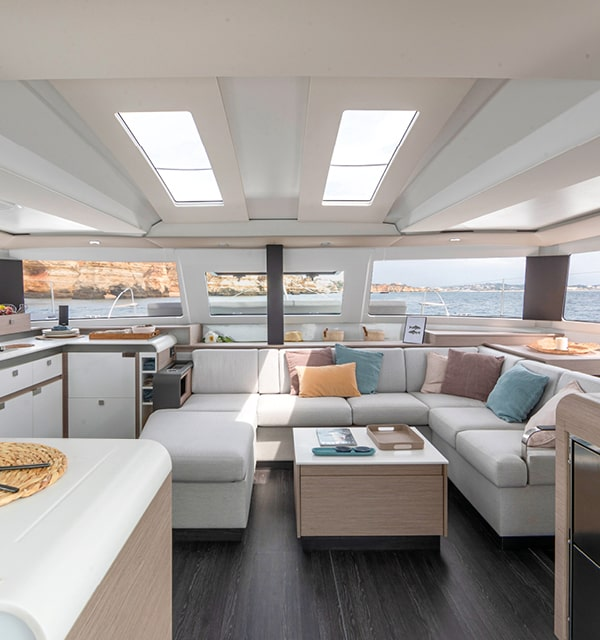Elba-45-Cruising-Catamarans-Fountaine-Pajot2-min