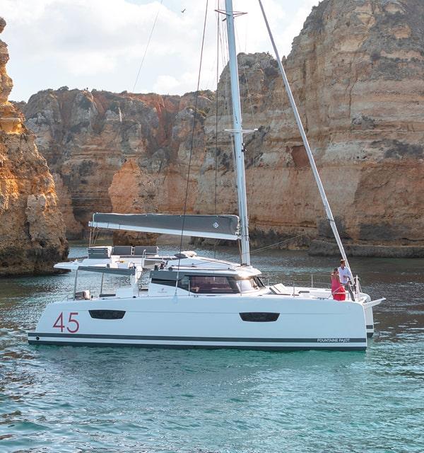 Elba-45-Cruising-Catamarans-Fountaine-Pajot3-min