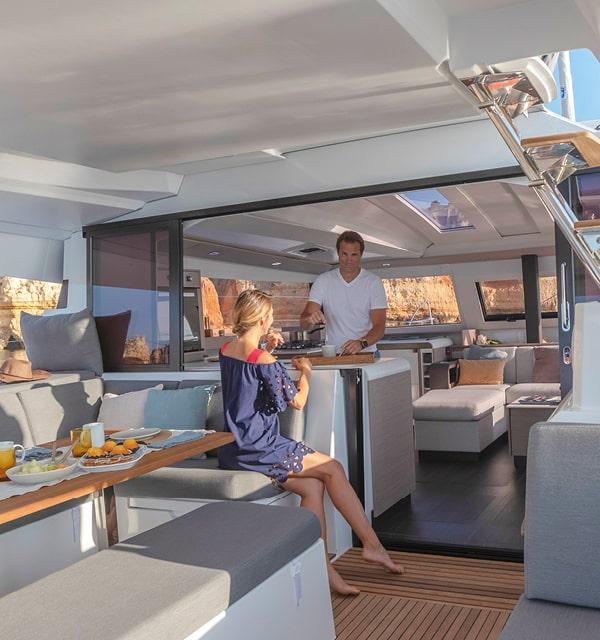 Elba-45-Cruising-Catamarans-Fountaine-Pajot4-min