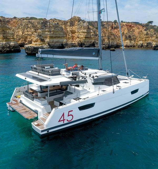 Elba-45-Cruising-Catamarans-Fountaine-Pajot5-min